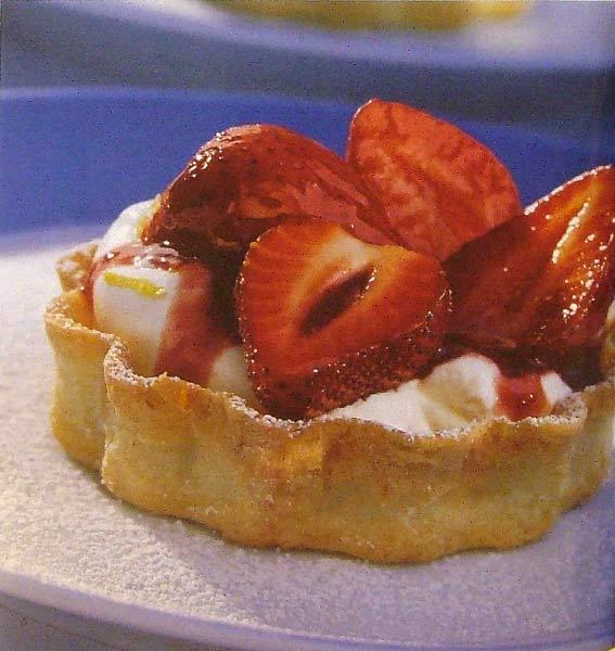 Иллюстрация 1 из 31 для Десерты. Быстро и вкусно | Лабиринт - книги. Источник: Лабиринт