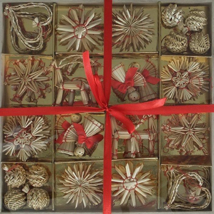 Иллюстрация 1 из 17 для Набор подарочный. Новогоднее подвесное украшение из соломки, 56 штук (22232) | Лабиринт - сувениры. Источник: Лабиринт
