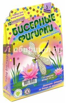 Брошь Стрекоза (АА 05-553)Украшения из бисера, бусин, страз и ниток<br>Стрекозы - подвижные и красивые насекомые, разнообразные по видам и цвету. Стрекозы очень нравятся детям, наблюдать за ними - одно удовольствие: они так легко перелетают с одного пушистого камыша на другой, оставляя в воздухе чудный радужный отсвет блестящих крыльев.<br>И конечно, такой изящный образ не был обойден художниками и ювелирами. Оригинальная брошь-украшение в виде радужной стрекозы с прозрачными блестящими крылышками будет радовать каждый день!<br>Комплектация: цветной и прозрачный бисер, проволока, английская булавка, пошаговая инструкция.<br>Размер: 5х6 см.<br>Для детей от 8 лет.<br>Упаковка: блистер.<br>Сделано в России.<br>