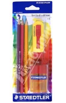 Карандаши чернографитные 3 шт. HB + ластик + точилка (133SBK3P2)Наборы карандашей<br>Эргономический трехгранный заточенный карандаш для всех возрастных групп;<br>Для письма и рисования без усталости и усилий;<br>Привлекательный дизайн: модные цвета с серебряной пленкой с эффектом 3D - выглядят как кристаллы!<br>3 различных цвета корпуса: бардовый, красный, оранжевый.<br>Карандаши имеют особый, ударостойкий грифель, который не ломается при нажиме, падении или ударе;<br>Карандаши имеют специальное лакированное покрытие;<br>Дополнительно ластик со сдвижной пластмассовой втулкой и точилка в пластиковом корпусе с одним отверстием и контейнером для мусора.<br>Сделано в Германии.<br>