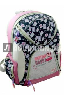 Рюкзак школьный (KS15-ERB-03)Ранцы и рюкзаки для начальной школы<br>Рюкзак школьный.<br>В рюкзаке: <br>-1 большое отделение на молнии<br> - 2 маленьких отделения на молнии<br>- 2 боковых отделения на молнии.<br>- регулируемые  ручки<br>Состав: внешние поверхности, подкладка -полиэстер, уплотнители: поролон, элементы отделки- пластик, металл, пвх.<br>Сделано в Китае<br>