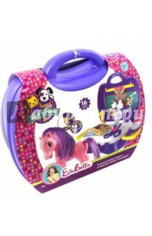Набор Я люблю свою лошадку (в чемоданчике) (65775)Играем в профессии<br>Игровой набор Я люблю свою лошадку из серии Pet store поможет воплотить мечту юных любителей лошадей. В набор включены все необходимые аксессуары по уходу за роскошной конской гривой: расческа, ножницы, фен и многое другое. Набор компактно укомплектован в небольшой чемоданчик, который всегда можно взять с собой. Развивая фантазию, можно придумывать интересные сюжетно-ролевые игры в компании с новым другом.<br>Комплектность: 16 элементов.<br>Не рекомендовано детям младше 3-х лет. Содержит мелкие детали. <br>Для детей от 3-х лет<br>Материал пластик.<br>Сделано в Китае.<br>