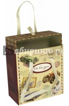 Коробка подарочная Ретро-машины (44285)Подарочные пакеты<br>Коробка подарочная.<br>Размер: 16 х 16 х 8 см.<br>Материал: мелованный негофрированный картон.<br>Ручки-ленточки.<br>Сделано в Китае.<br>