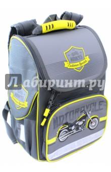 Ранец школьный Мотоцикл на сером (43275)Ранцы и рюкзаки для начальной школы<br>Школьный ранец имеет:<br>- 1 большое отделение на молнии с внутренними кармашками.<br>- 2 накладных боковых сетчатых кармана на липучке + 1 накладной карман спереди на молнии. <br>- Жесткую EVA-спинку и боковинки.<br>- Ручку для переноски ранца в руках.<br>Длина лямок регулируется.<br>Ранец украшен вышивкой и аппликациями.<br>Молнии ранца украшены брелками.<br>Светоотражающие вставки.<br>Размер: 35x26x15 см.<br>Материал: 100% полиэстер<br>Для школьников 6-10 лет.<br>Производство: Китай.<br>