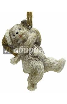 Украшение ёлочное Медвежонок (75135)Аксессуары для праздников<br>Украшение новогоднее подвесное.<br>Размер: 4,5x3,5х7 см.<br>Материал: полирезина.<br>Сделано в Китае.<br>