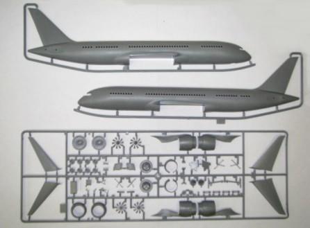 Иллюстрация 1 из 3 для Пассажирский авиалайнер Боинг 787-8 Дримлайнер (7008) | Лабиринт - игрушки. Источник: Лабиринт