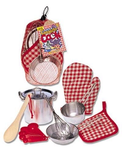 Иллюстрация 1 из 2 для Набор посуды с прихватками от 3 лет (13R)   Лабиринт - игрушки. Источник: Лабиринт