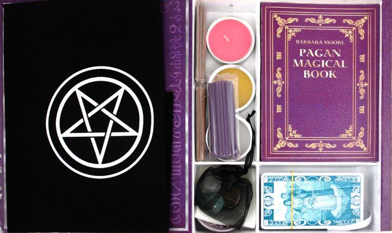 Иллюстрация 1 из 20 для Подарочный набор для языческого колдовства | Лабиринт - книги. Источник: Лабиринт