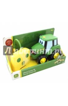 Трактор Джонни на ручном управлении с пультом (Т11310) трактор tomy john deere зеленый 19 см с большими колесами звук свет